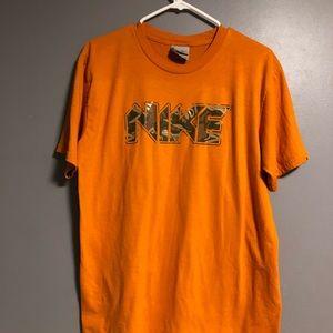 Nike shirt ✳️
